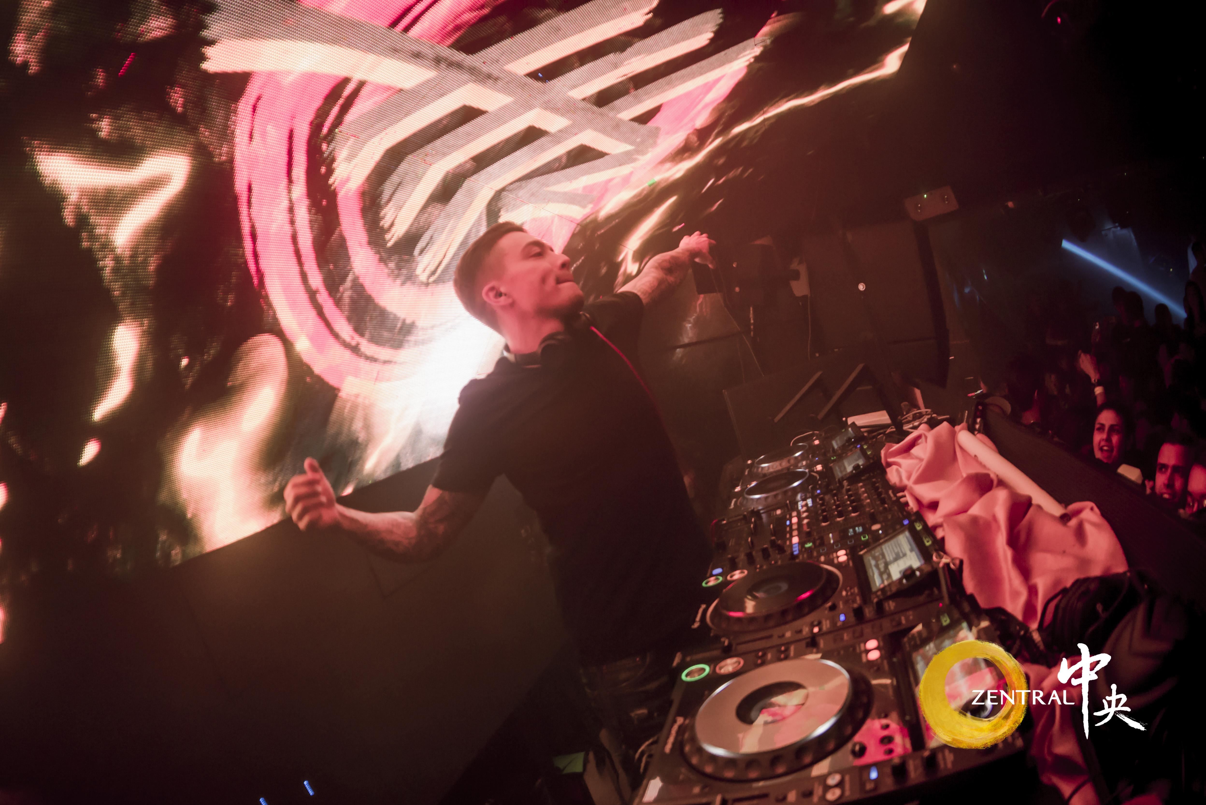 (2018-07-05)Headhunterz-(DJ Set)_at_Zentral_047